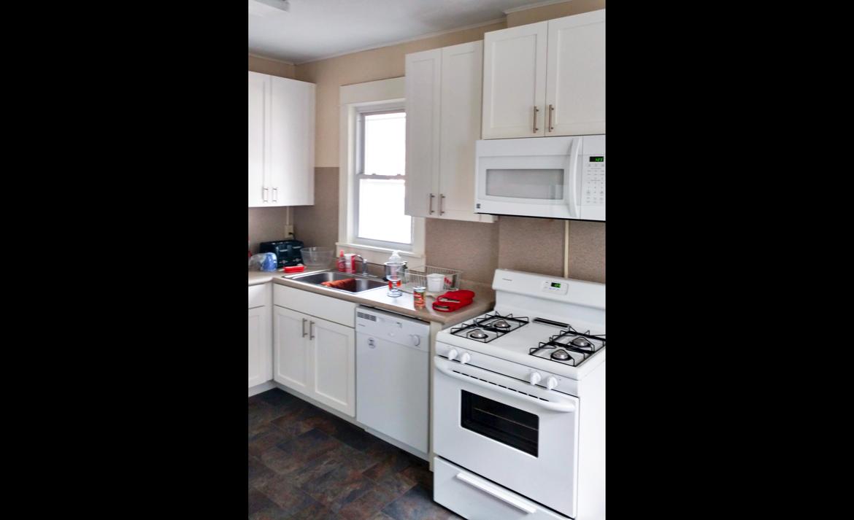 1938 & 1940 Summit Street kitchen