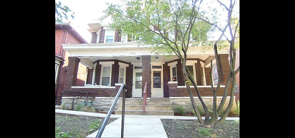 1938 & 1940 Summit Street exterior