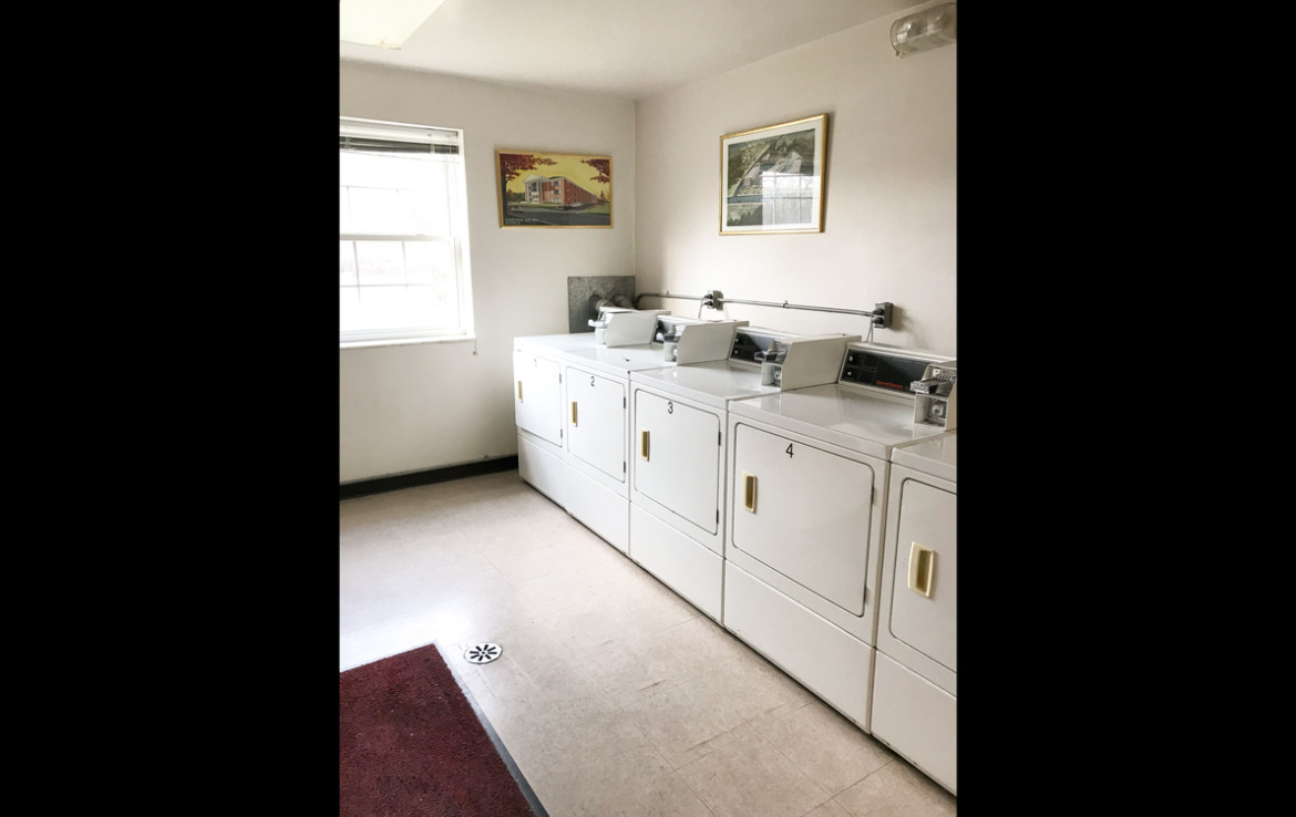 Arlington Heights Apartment Laundry